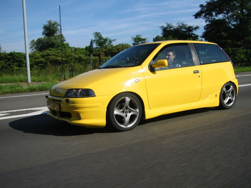 6. FIAT PUNTO GT
