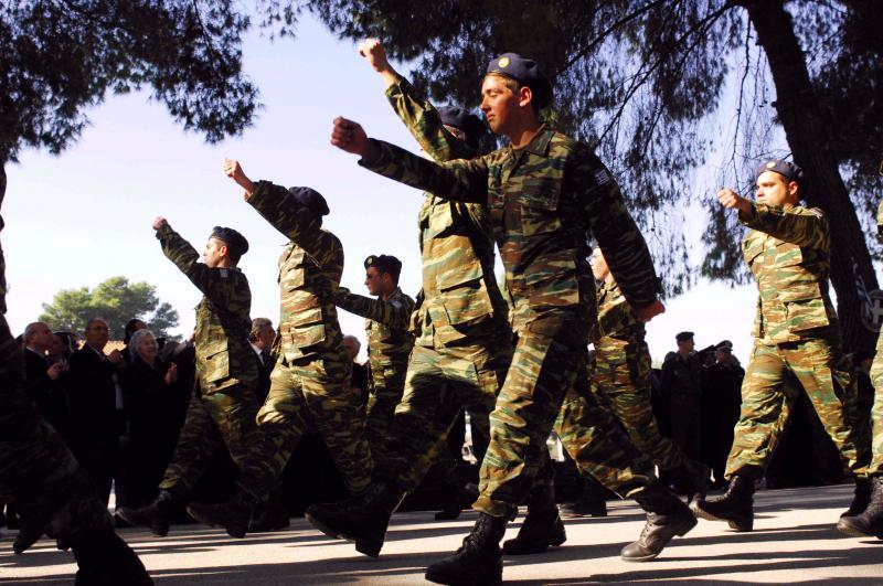 στρατός11
