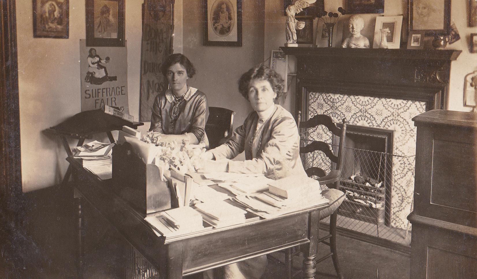 mrs pankhurst in clements inn office1