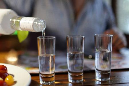 vodka tsipouro krasi