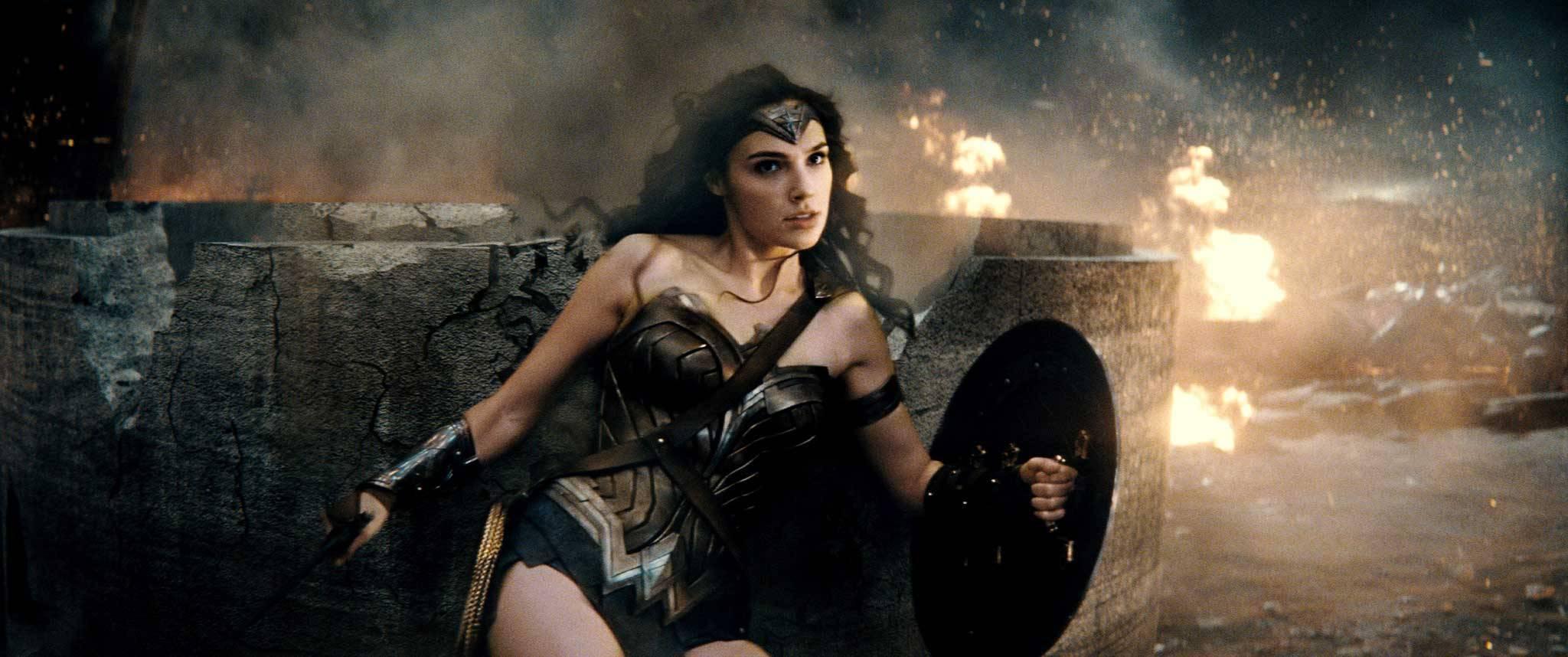 wonder woman gal gadot batman v superman warner bros dc comics superheros