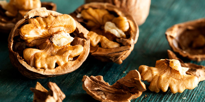 the health benefits of walnuts in shells 700 350
