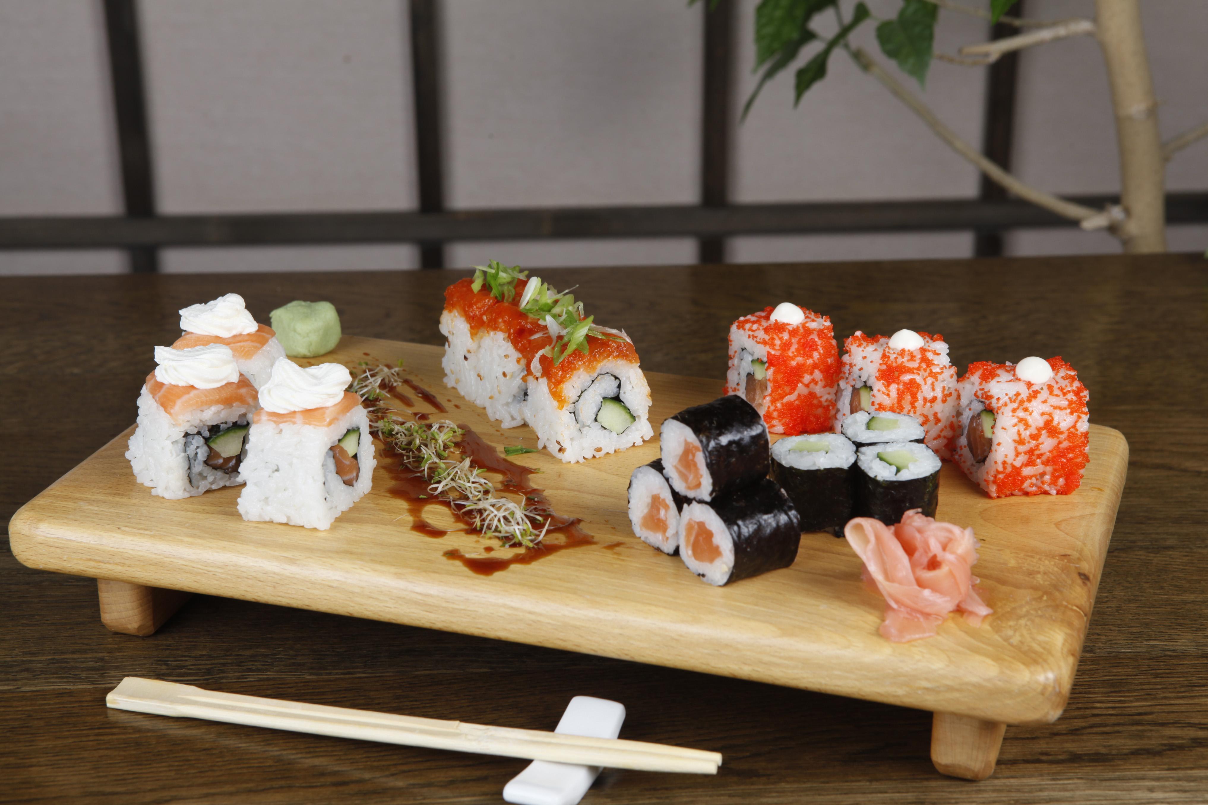 roll mix sushi mic