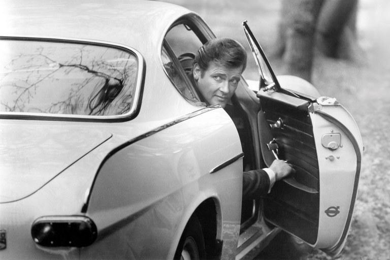 225618 Roger Moore as Simon Templar in The Saint TV Series