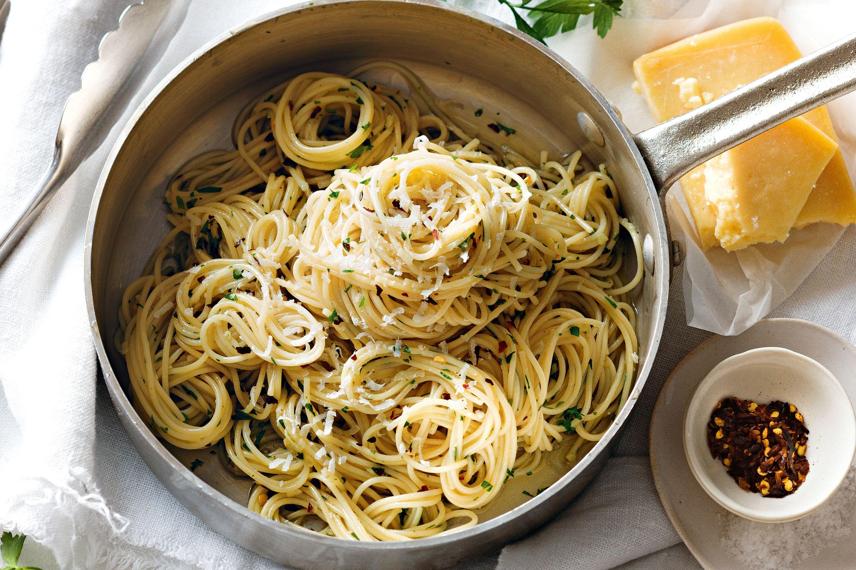 aglio e olio garlic and oil 87841 1