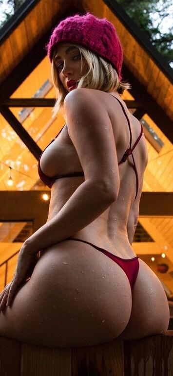 Μια παράπλευρη ωδή στα γυναικεία στήθη