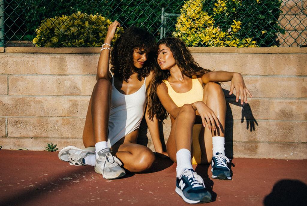 Η Julia και η Darianka θέλουν να αρπάξεις την ρακέτα