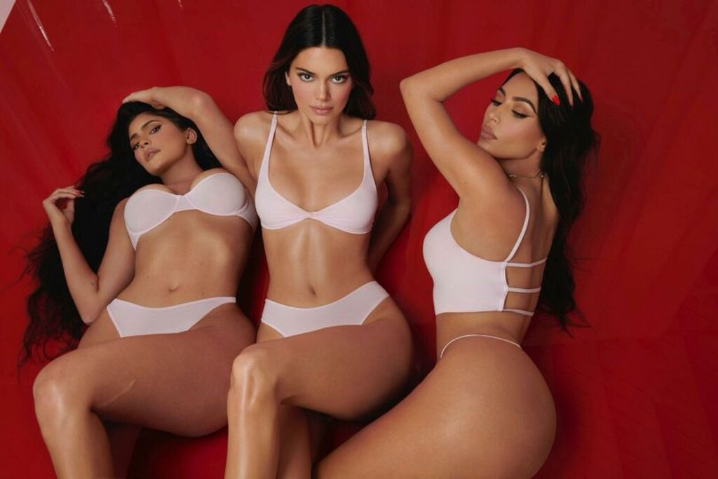 Kendall, Kylie και Kim σε νέες φωτογραφικές περιπέτειες