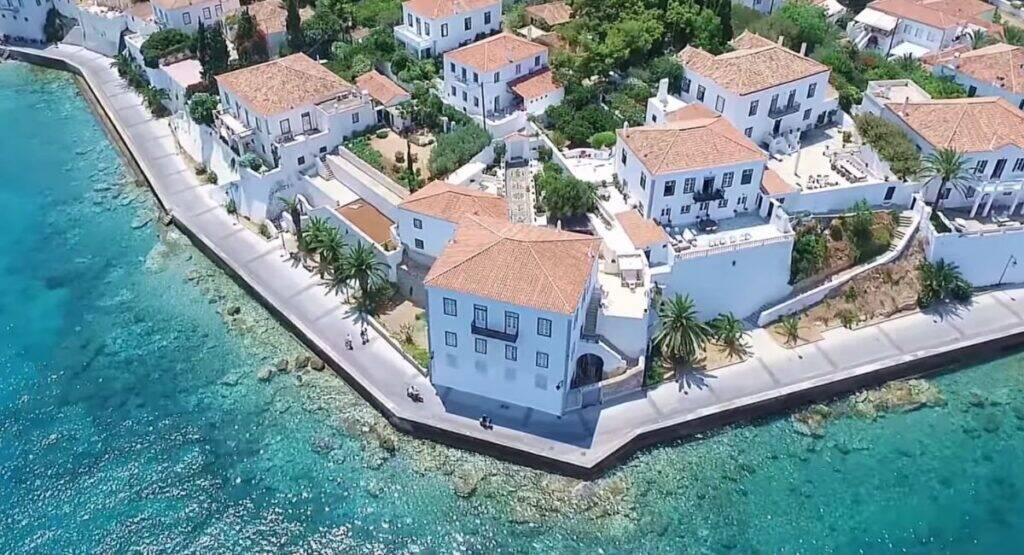 Αν δεν έχεις αυτοκίνητο στις διακοπές ίσως πρέπει να πας σε αυτά τα νησιά