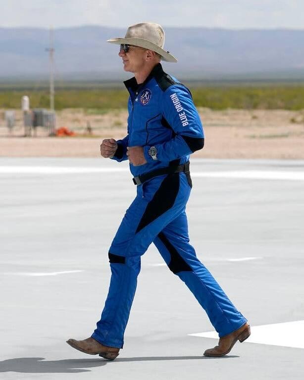 O Jeff Bezos είδε την Γη από το διάστημα κι έγινε φανατικός οικολόγος