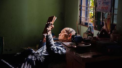 Οι 8 φωτογραφίες που θα προκαλέσουν ταύτιση σε κάθε βιβλιόφιλο