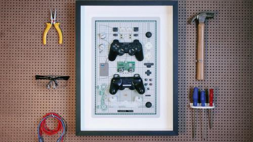 Άσε τις κορνίζες και βάλε στον τοίχο σου ένα Playstation