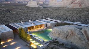 Ξενοδοχείο στη μέση της ερήμου με δική του παραλία