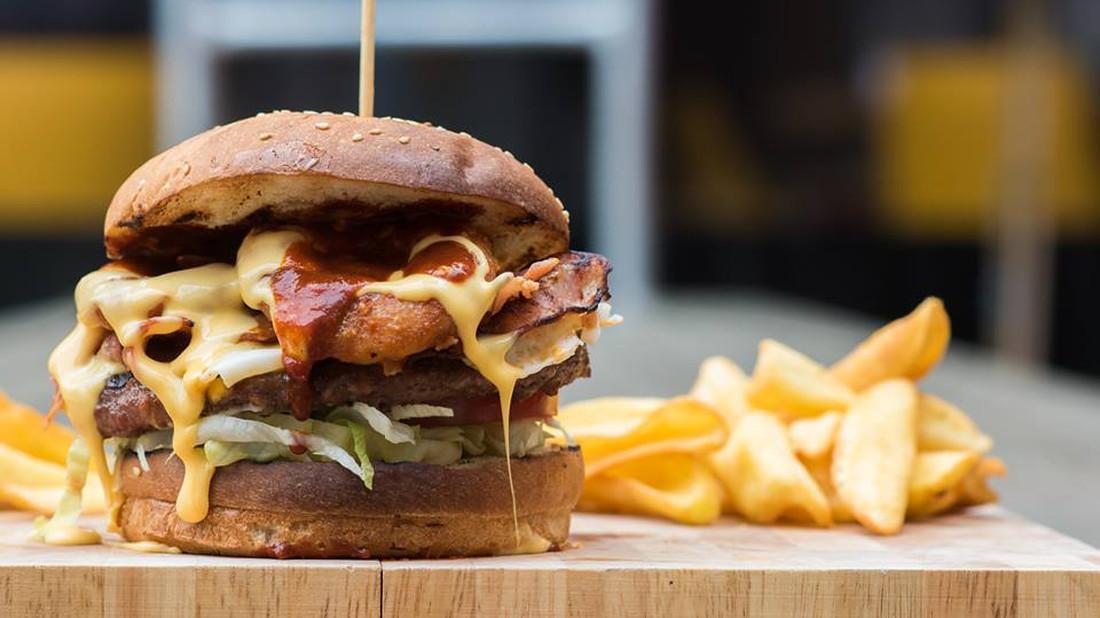 Την αυθεντική «αμερικανιά» στο burger θα την βρεις στο Brooklyn: Taste Factory