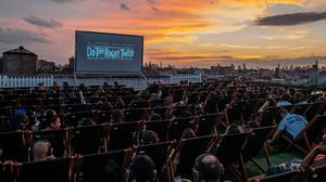 Στη Νέα Υόρκη άργησαν, αλλά κατάλαβαν τη μοναδικότητα του θερινού σινεμά