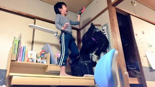 Τιτανοτεράστιος Πατέρας κάνει έκπληξη στον γιο του ένα Nintendo Switch