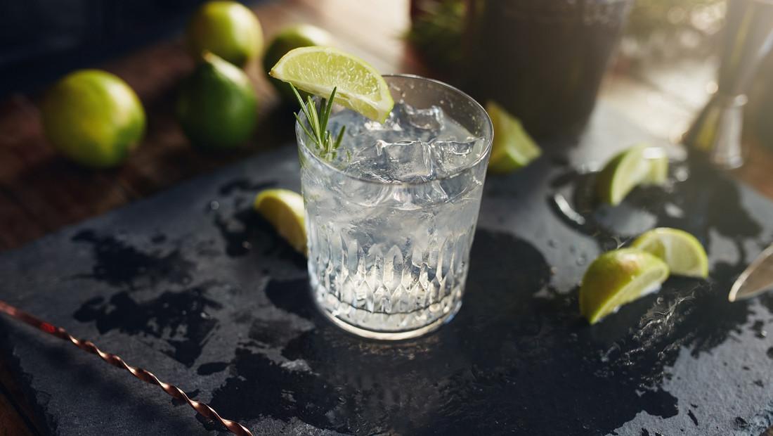 7 απολαυστικά Gin για το σπίτι μέχρι να ανοίξουν τα μπαρ
