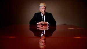 Ο David Lynch βλέπει σενάρια συνομωσίας μέσα από μία χελώνα
