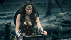 Ακόμη και ο Deadpool παραδέχτηκε την Wonder Woman