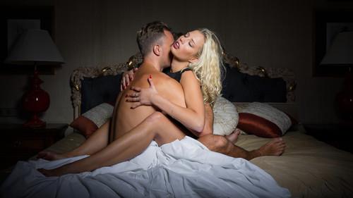 Σεξ: 10 στάσεις που «ανάβουν» και τους δύο