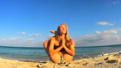 «Την κοπέλα που κάνει Γιόγκα στην παραλία ΜΗΝ την κοροϊδεύεις»