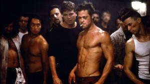 4 ασκήσεις για πλάτη σαν του Μπραντ Πιτ στο Fight Club