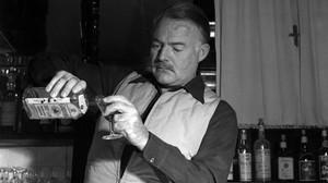 Μια γεύση από τα ποτά που προτιμούσαν 5 εμβληματικοί συγγραφείς