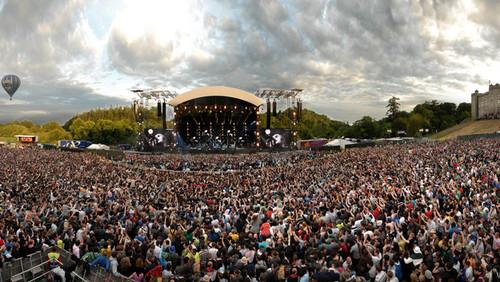 Δύο συντάκτες «οργώνουν» τον πλανήτη για τις Συναυλίες των ονείρων τους