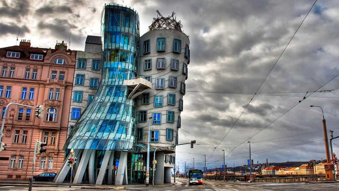 Πείτε μας ΤΩΡΑ πόσο πάει το ενοίκιο σε αυτό το σπίτι της Πράγας!