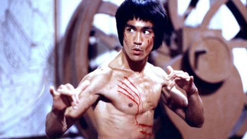 Η αλήθεια πίσω από την ετοιμοπόλεμη ζωή του Bruce Lee