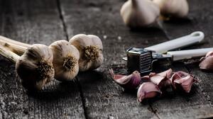Είναι το σκόρδο ό,τι πιο παρεξηγημένο υπάρχει στην ελληνική κουζίνα;
