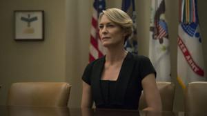 Στο νέο teaser του House of Cards κουμάντο κάνει η Claire Underwood