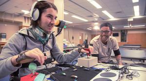 Η Microsoft έβγαλε χειριστήριο για άτομα με κινητικά προβλήματα