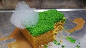 Σφουγγάρι-κέικ με γέμιση μέντας, χλαπάκιαζες;