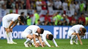 15 διάσημοι Άγγλοι ρίχνουν ΑΝΕΛΕΗΤΟ ΚΡΑΞΙΜΟ στην Εθνική τους