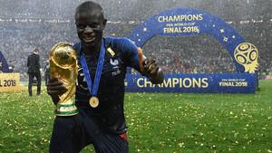 Ενγκολό Καντέ: 169 εκατοστά ποδοσφαιρικού μεγαλείου