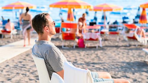 Η ζωή στην παραλία δεν είναι για όλους