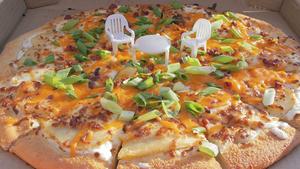 Το τραπεζάκι της πίτσας, τώρα έγινε κουζίνα