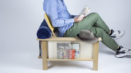 Η καρέκλα που θα μιλήσει στην καρδιά κάθε βιβλιοφάγου