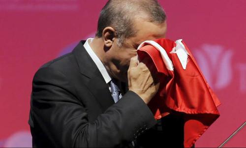 Ερντογάν: «Αιμορραγεί» η τουρκική οικονομία