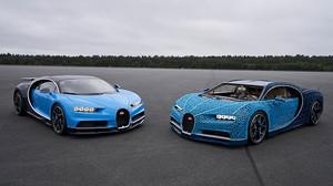 Αριστερά βλέπετε τη Bugatti Chiron και δεξιά την κόπια της σε LEGO