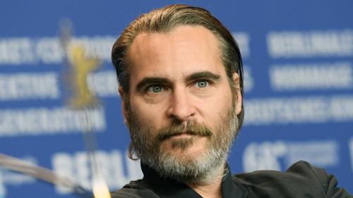 Ανατριχίλα: Ο Joaquin Phoenix μεταμορφώνεται επιτέλους σε Joker