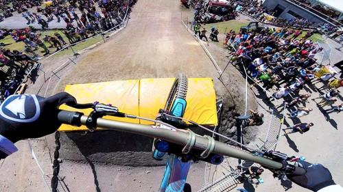 Πόσο ζόρικο είναι να κάνεις downhill με ποδήλατο;