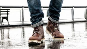 8 μποτάκια για να μην μουλιάζει το πόδι σου όταν βρέχει