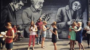 15 γκράφιτι που «ταρακούνησαν» για τα καλά το αστικό τοπίο