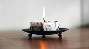 Κεριά από την Ισλανδία που περιέχουν λάβα ηλικίας 2.000 ετών