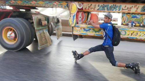Το roller skating αυτού του 19χρονου θυμίζει επαγγελματία κασκαντέρ