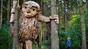 Οι ξύλινοι γίγαντες της Κοπεγχάγης είναι κάτι παραπάνω από έργα τέχνης