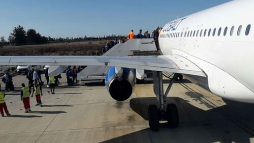 Υπάρχει λόγος που η επιβίβαση στο αεροπλάνο γίνεται από τα αριστερά