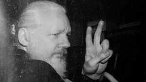 O Julian Assange είναι ένας νάρκισσος που επιβάλλεται να στηρίξουμε